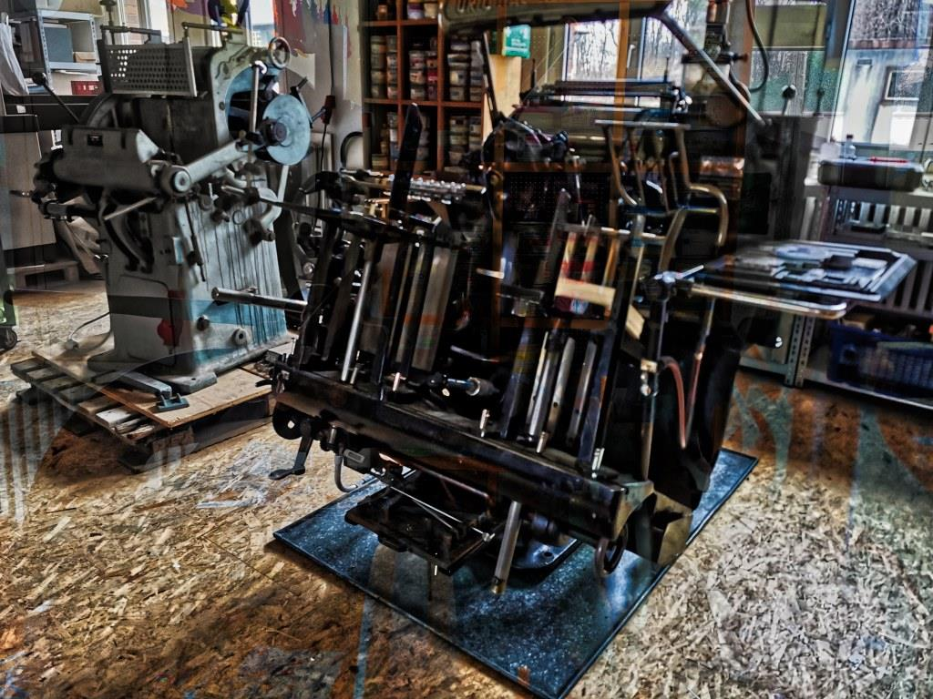mechanische Druckmaschine im Raum